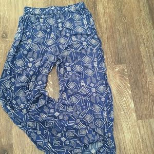 Blue and white patterned Goucho pants